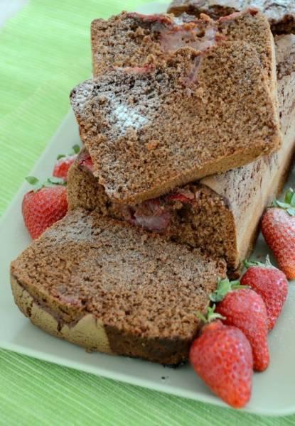 Plumcake al cioccolato con fragole