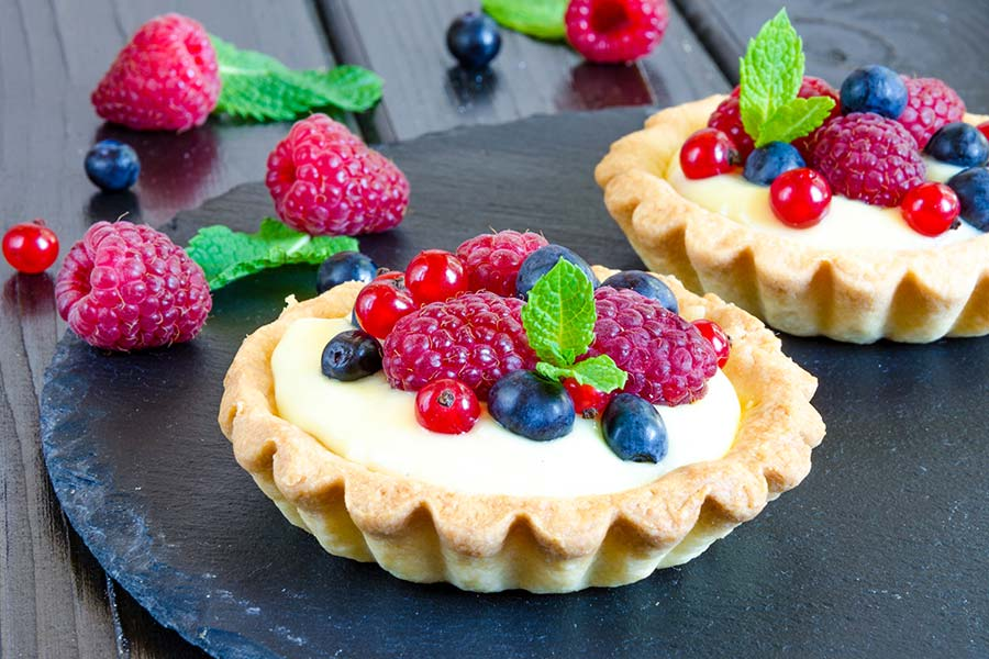 Forest fruits tartlets with Chantilly cream